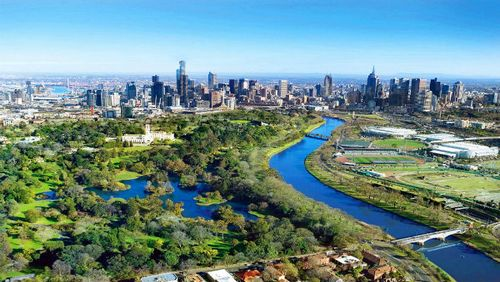 Melbourne-Skyline-River(1)