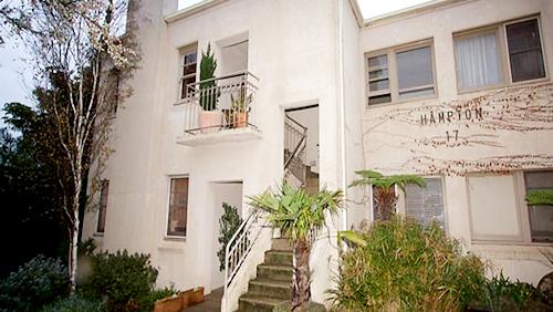 Beautiful Art Deco Apartment in Hampton... Off-Market!
