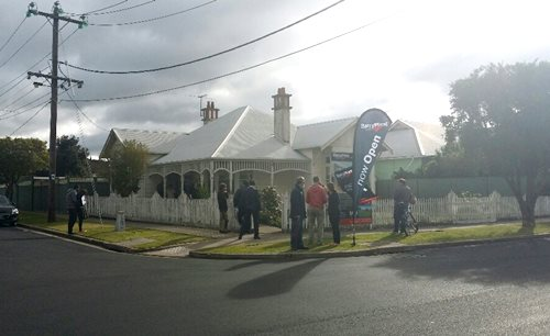 Auction at 23 Sydney Street, Albion