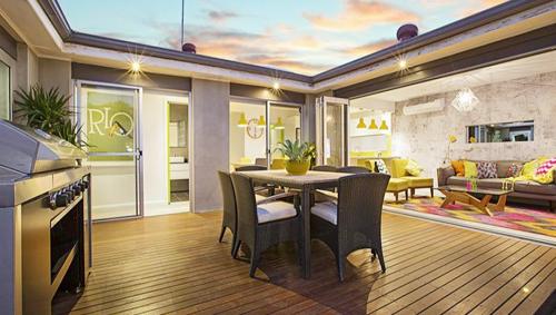 The spacious outdoor deck